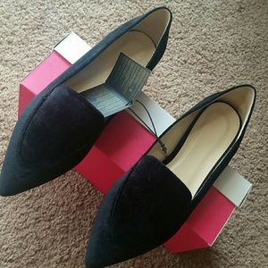 FOREVER 21 SHOES FLAT BLACK  ( SIZE 10)